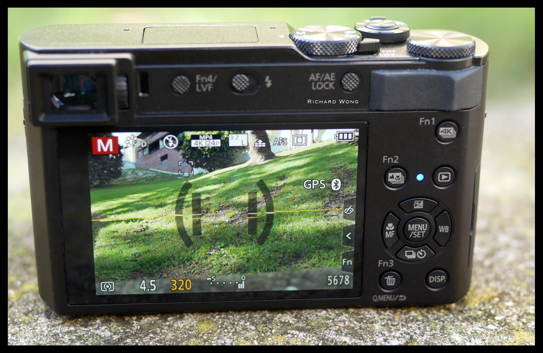 Panasonic Lumix DC-TZ220 / TZ200 / ZS200 / TX2 / Leica C-Lux