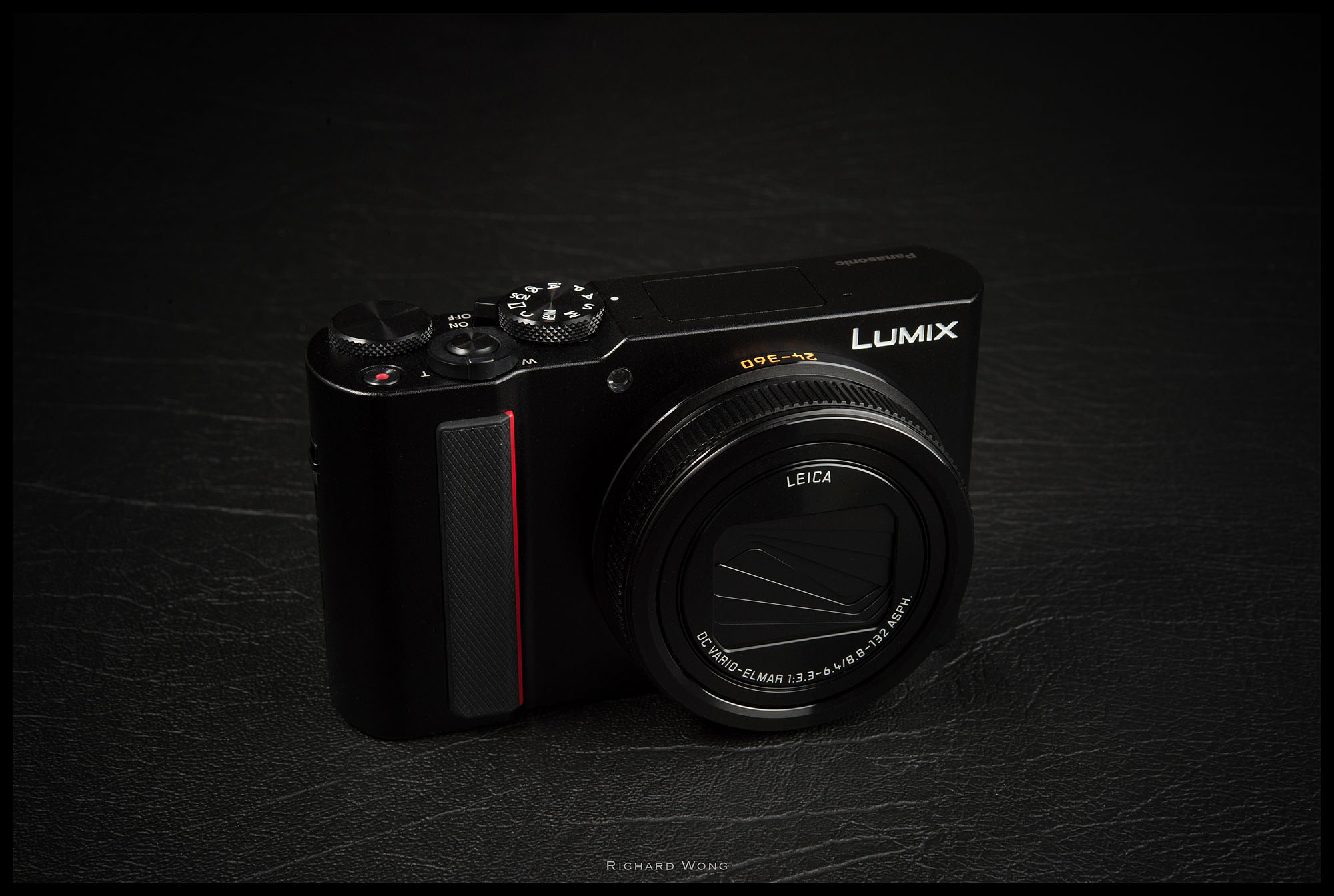 Panasonic Lumix Dc Tz220 Tz200 Zs200 Tx2 Leica C Lux Review Review By Richard